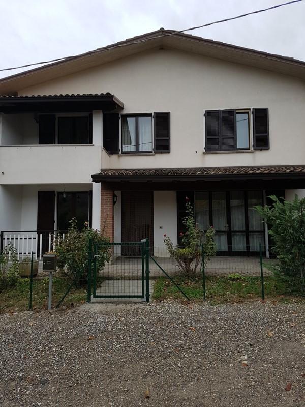 Casa indipendente con terrazzo, Lugagnano Val D'Arda rustigazzo