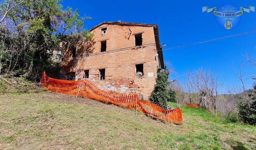 Casa indipendente con giardino in villa francucci, Amandola