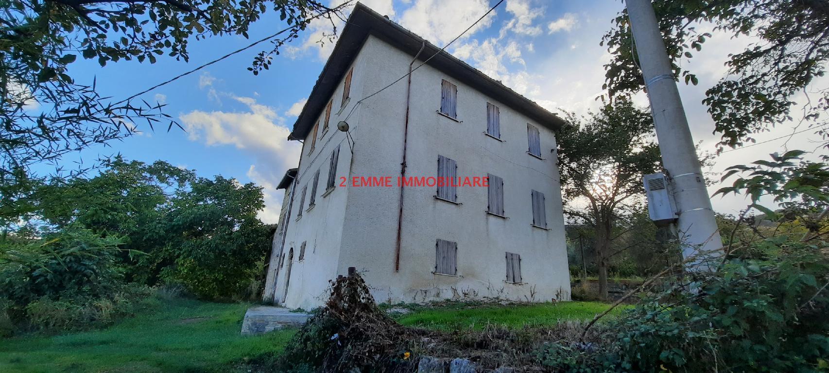 Casa indipendente con giardino in via loreto, Ascoli Piceno