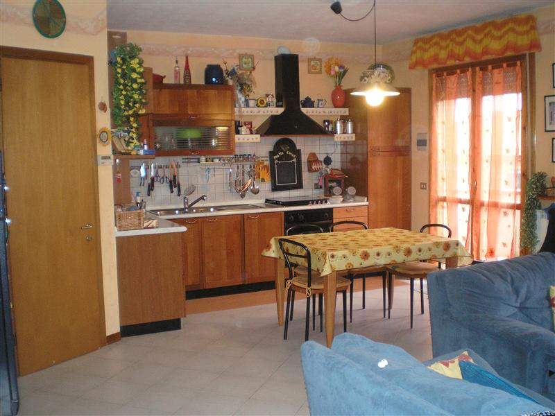 Appartamento a Monteriggioni in via iv novembre 103 - 01