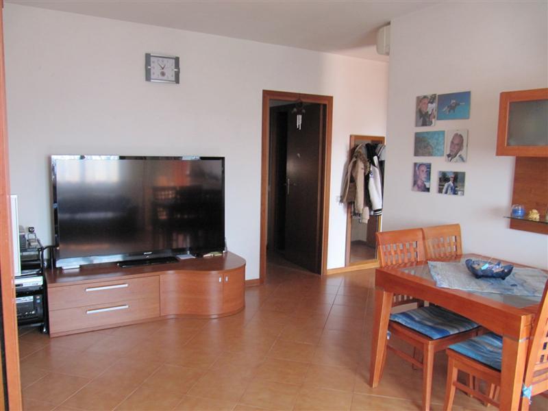 Appartamento con posto auto coperto a Roma in via san biagio platani 288 - casilina rocca fiorita - 01
