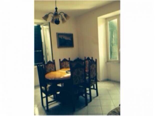 Appartamento con posto auto scoperto a Civitavecchia in via a. montanucci 21 - centro - 01