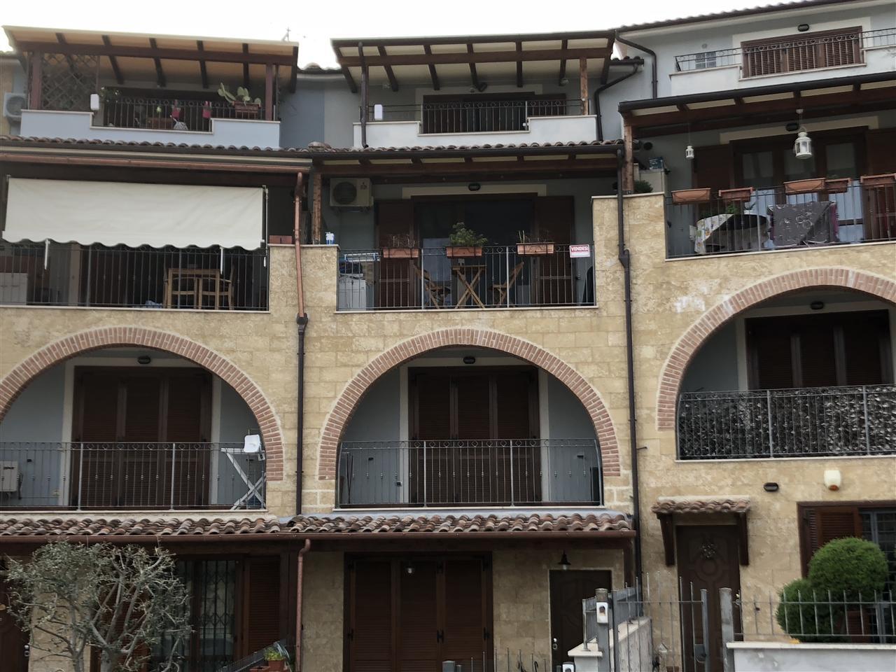 Appartamento con terrazzo a Terni in via monte totagna - 01