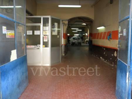 Attività commerciale da ristrutturare a Firenze in via vittorio emanuele ii 37r - 01