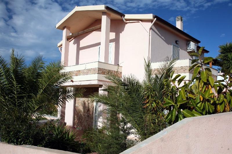Casa vacanza arredato a Badesi - 01
