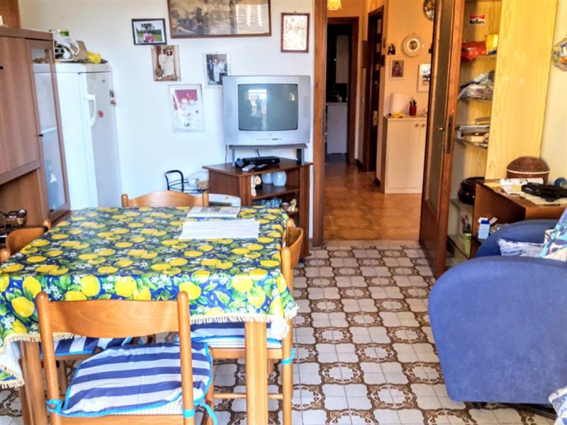 Firenze vendesi appartamento in zona peretola di 5 vani