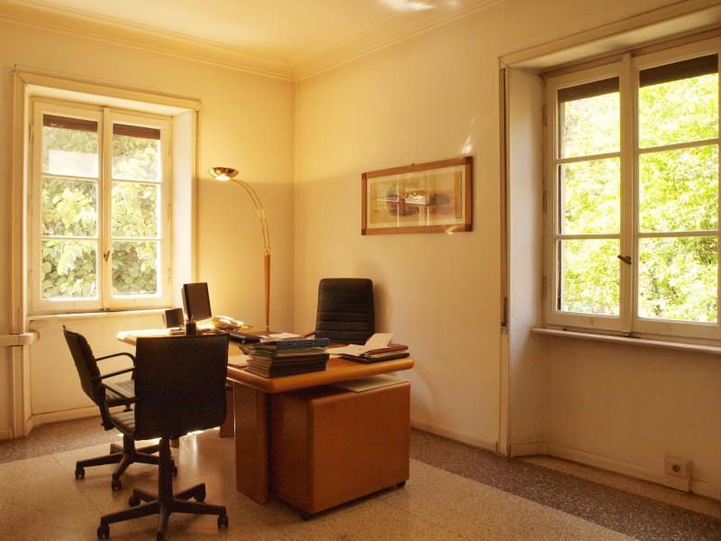 Studio professionale 110 mq. 5 stanze . zona piazza bologna. collegatissimo