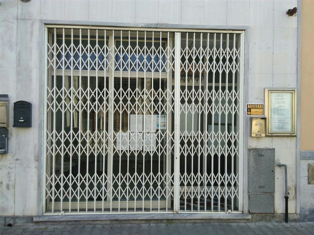 Affittasi fondo commerciale a marina Carrara centralissimo ottima posizione