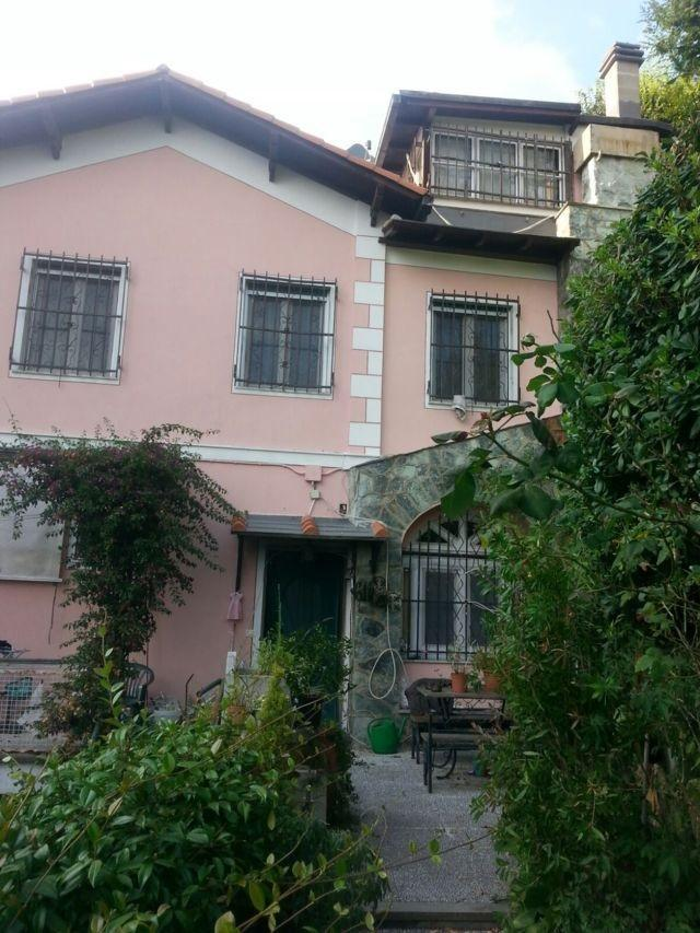 Villa bifamigliare limitrofa via chiodo