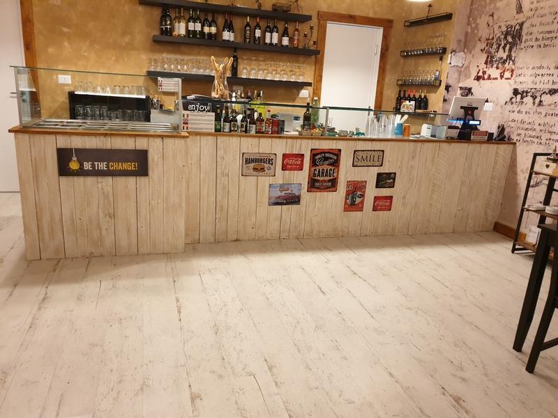 Risto Pub cessione nuovo originale Roma Appio 250 mq
