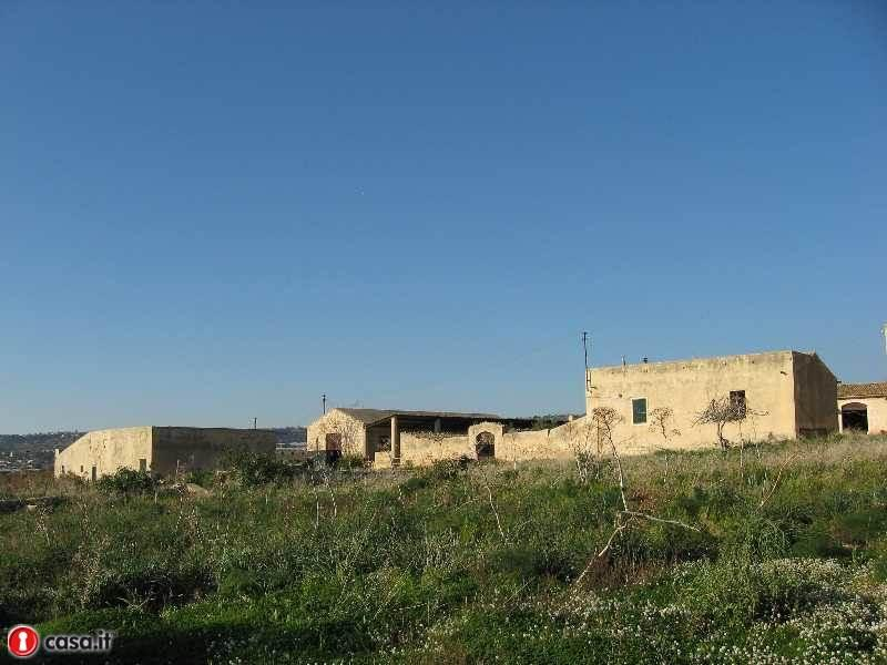 Rustico con giardino a Ragusa in contrada maestro - playa grande - 01