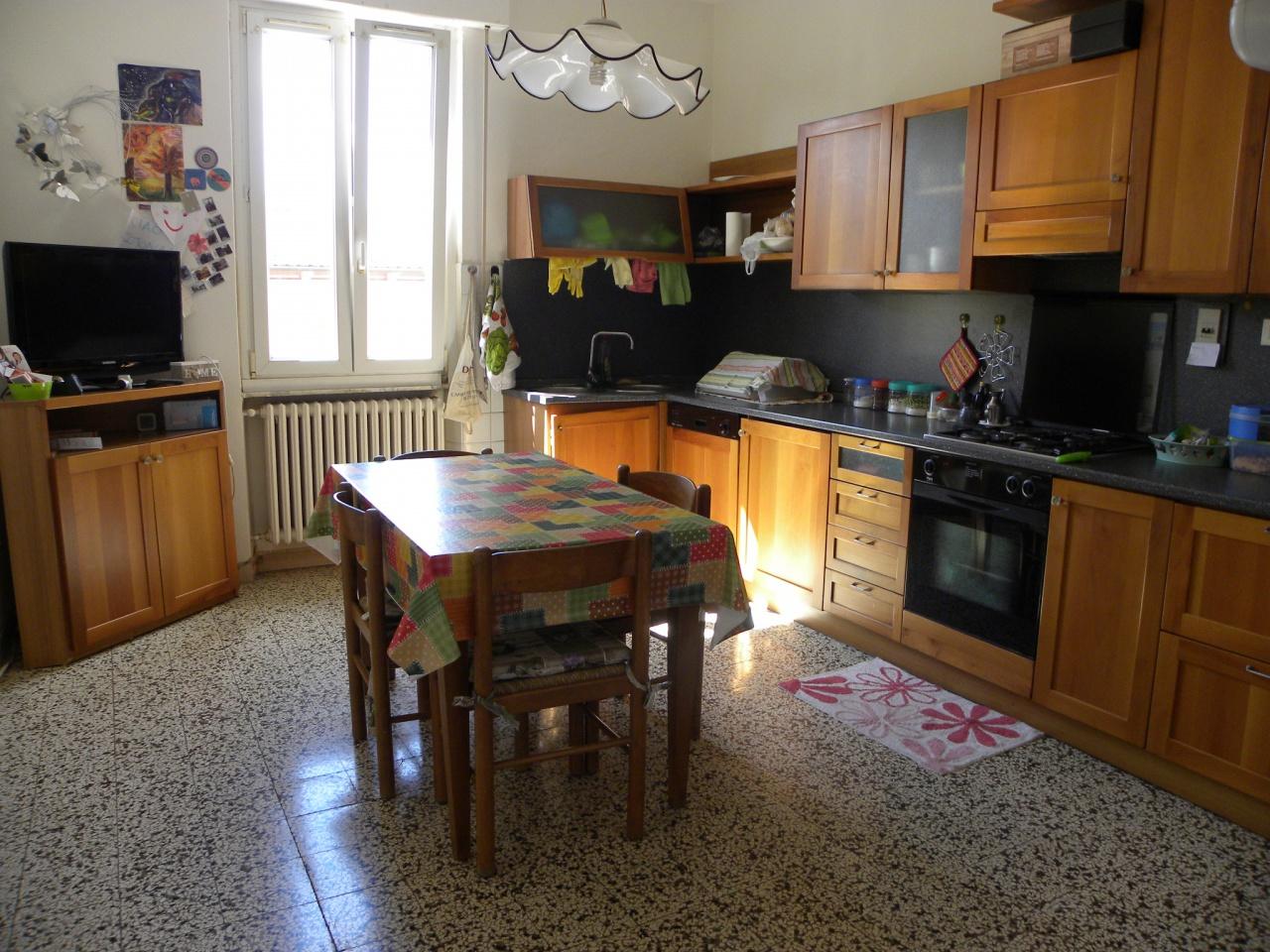 Casa indipendente con terrazzo a Arezzo