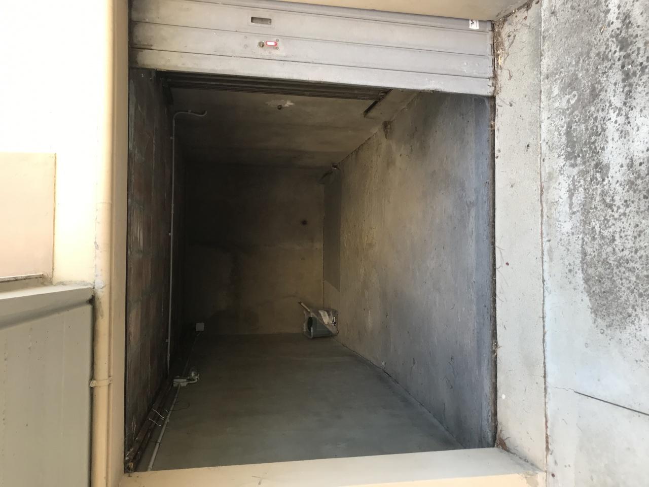 Box/Garage 13mq in vendita a Arezzo