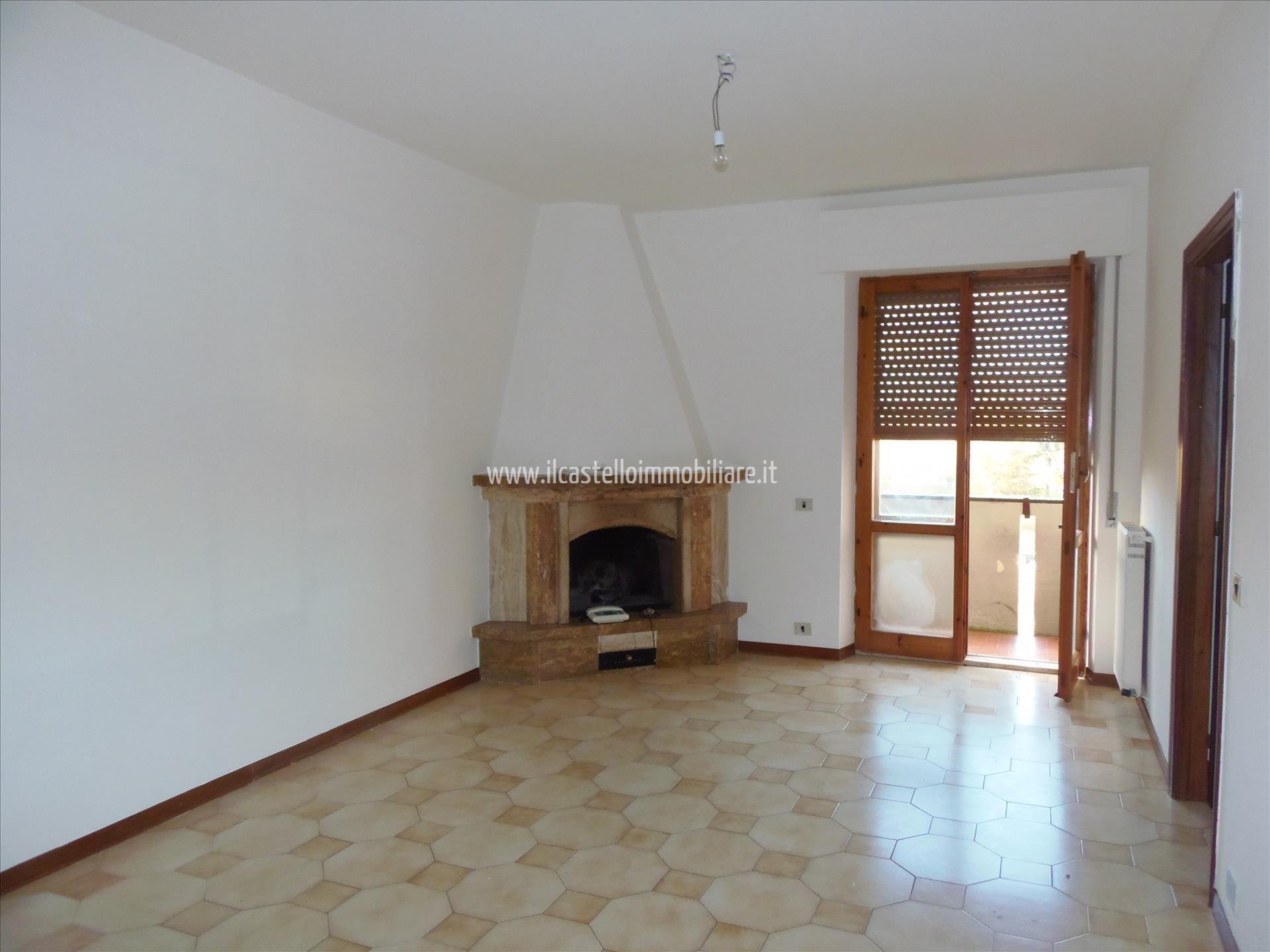 Appartamento con box doppio in larghezza a Sarteano - 01