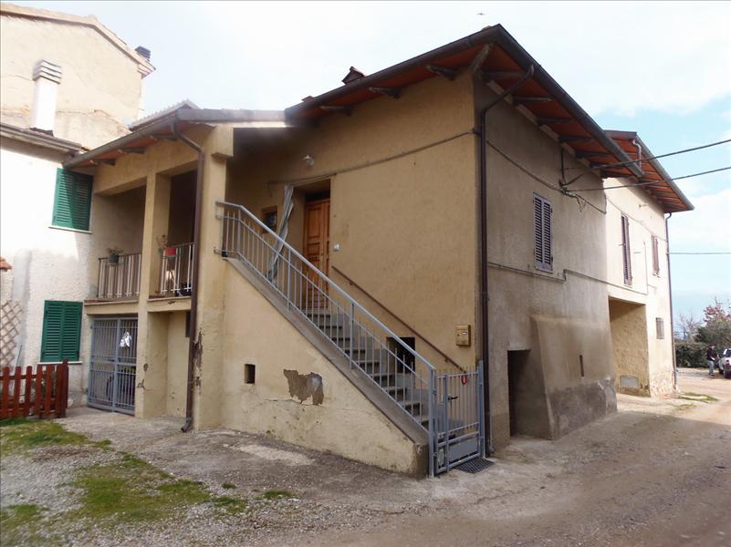 Appartamento con giardino a Castiglione del Lago - 01
