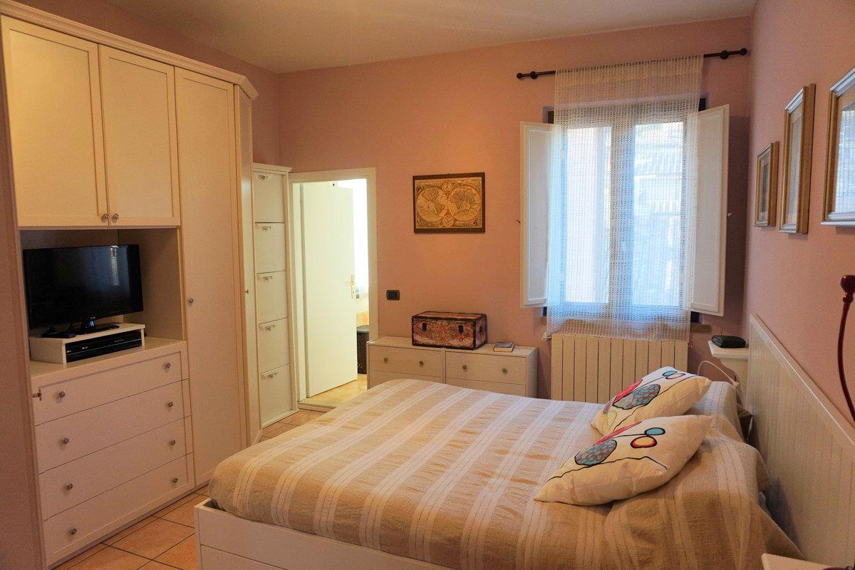 Appartamento con terrazzo a Sarteano - centro storico - 01