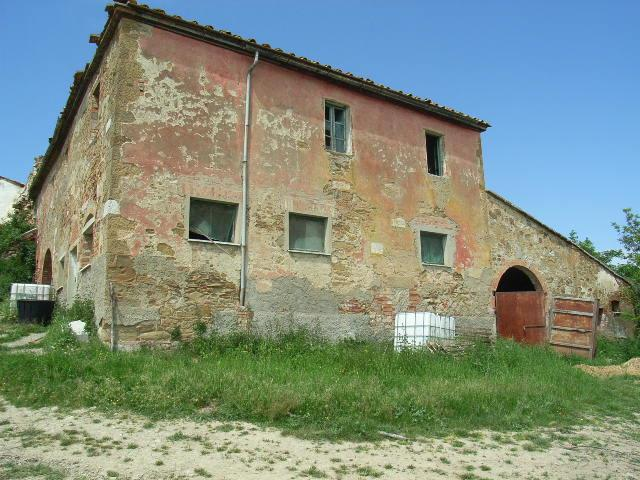 Rustico con giardino a Torrita di Siena - 01