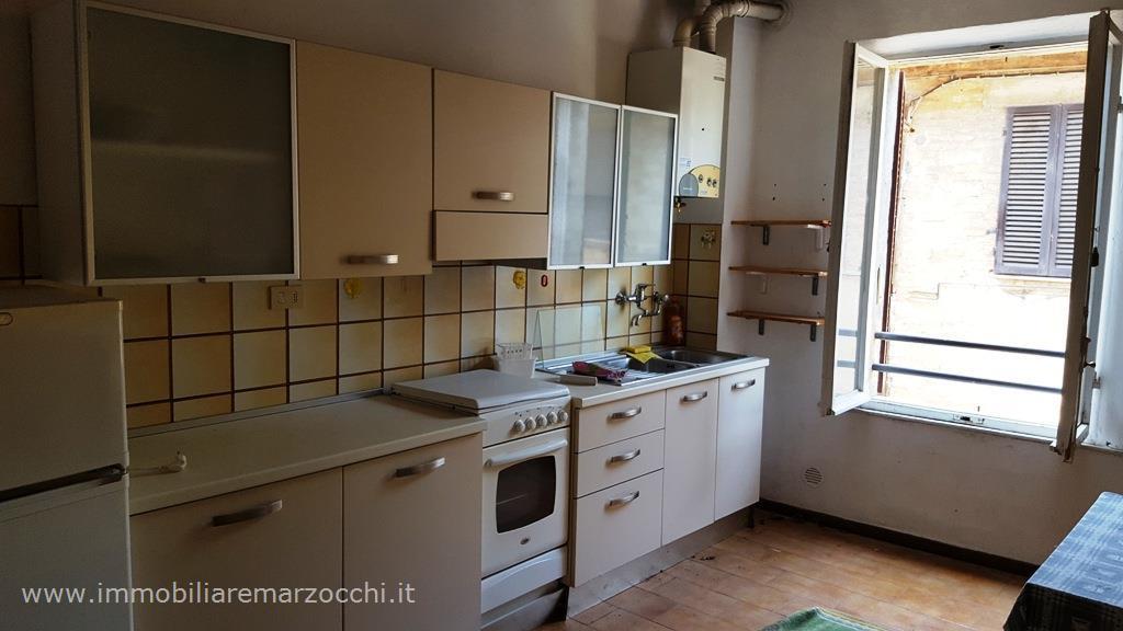 Appartamento con posto auto scoperto a Monteroni d'Arbia - ponte a tressa - 01