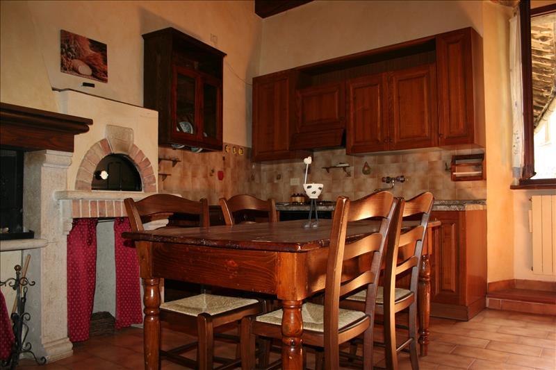 Appartamento ristrutturato a Sarteano - centro storico - 01