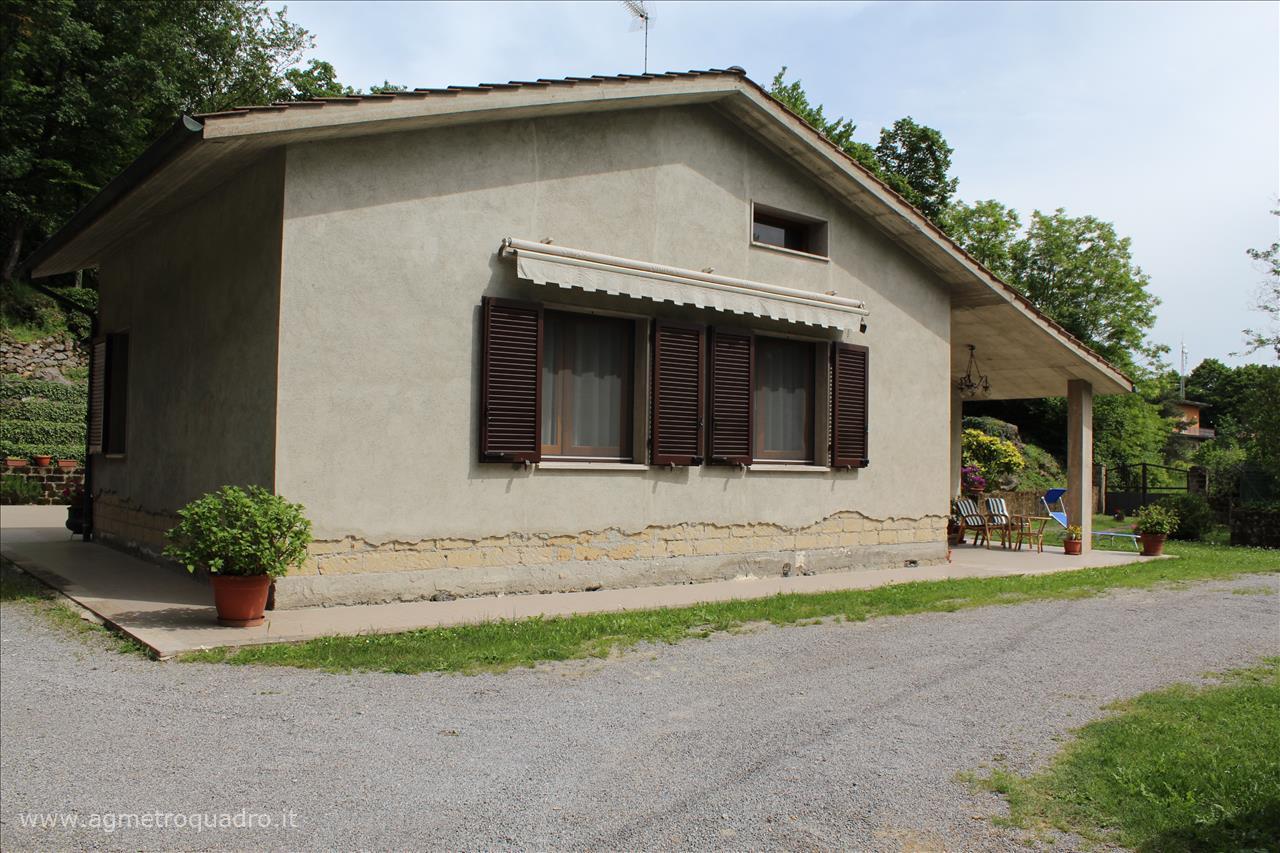 Villa con giardino a Radicofani - 01