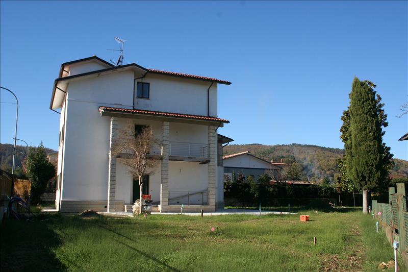 Villa ristrutturato a Sarteano - 01