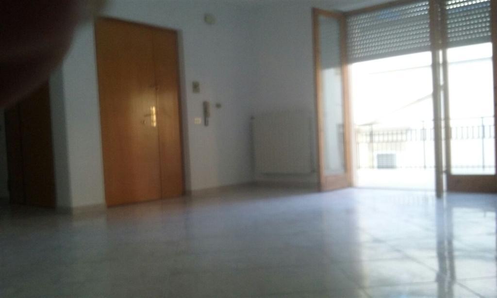 Appartamento a Corato in via riccio da parma - 01