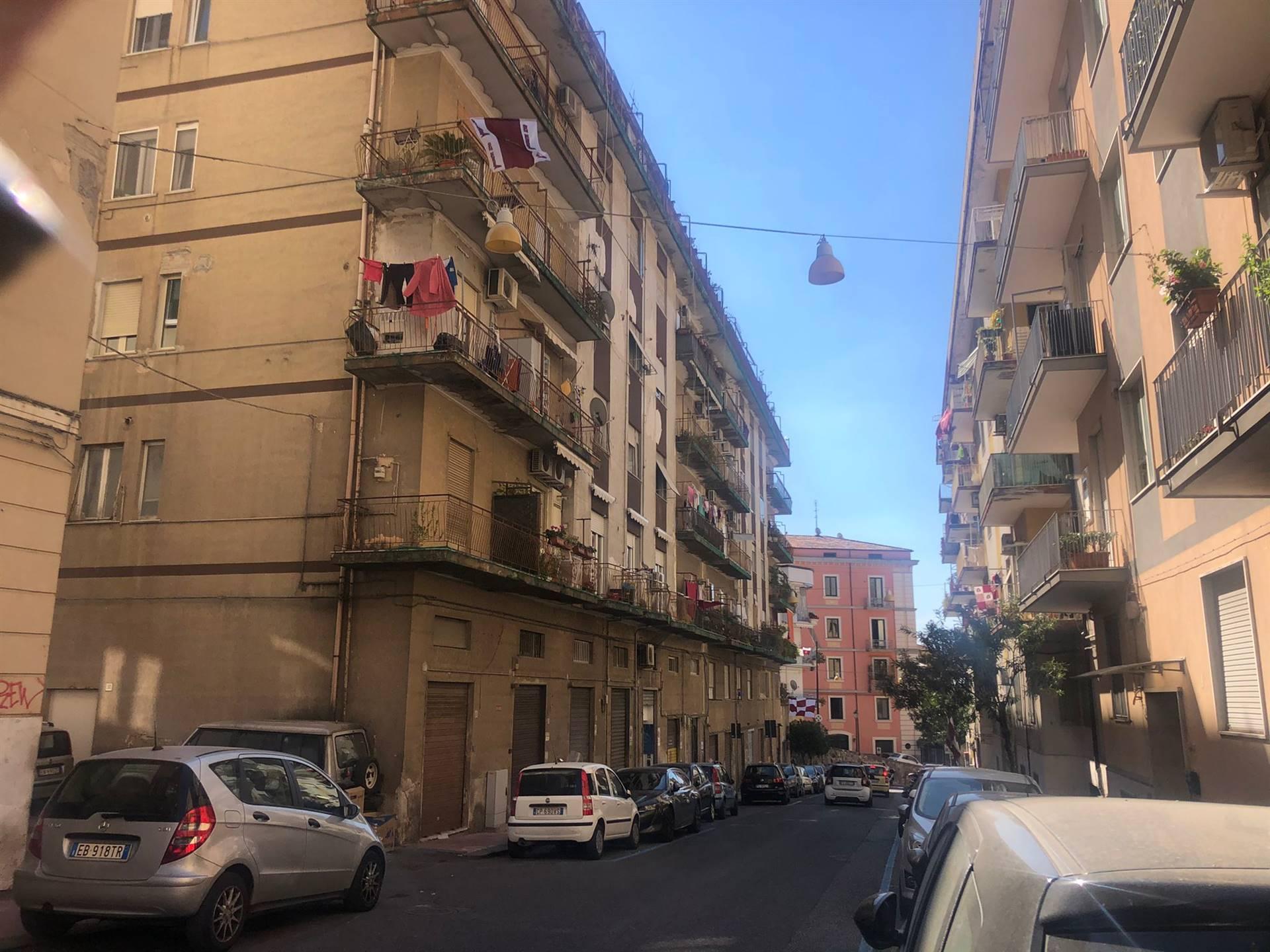 Trilocale da ristrutturare, Salerno centro