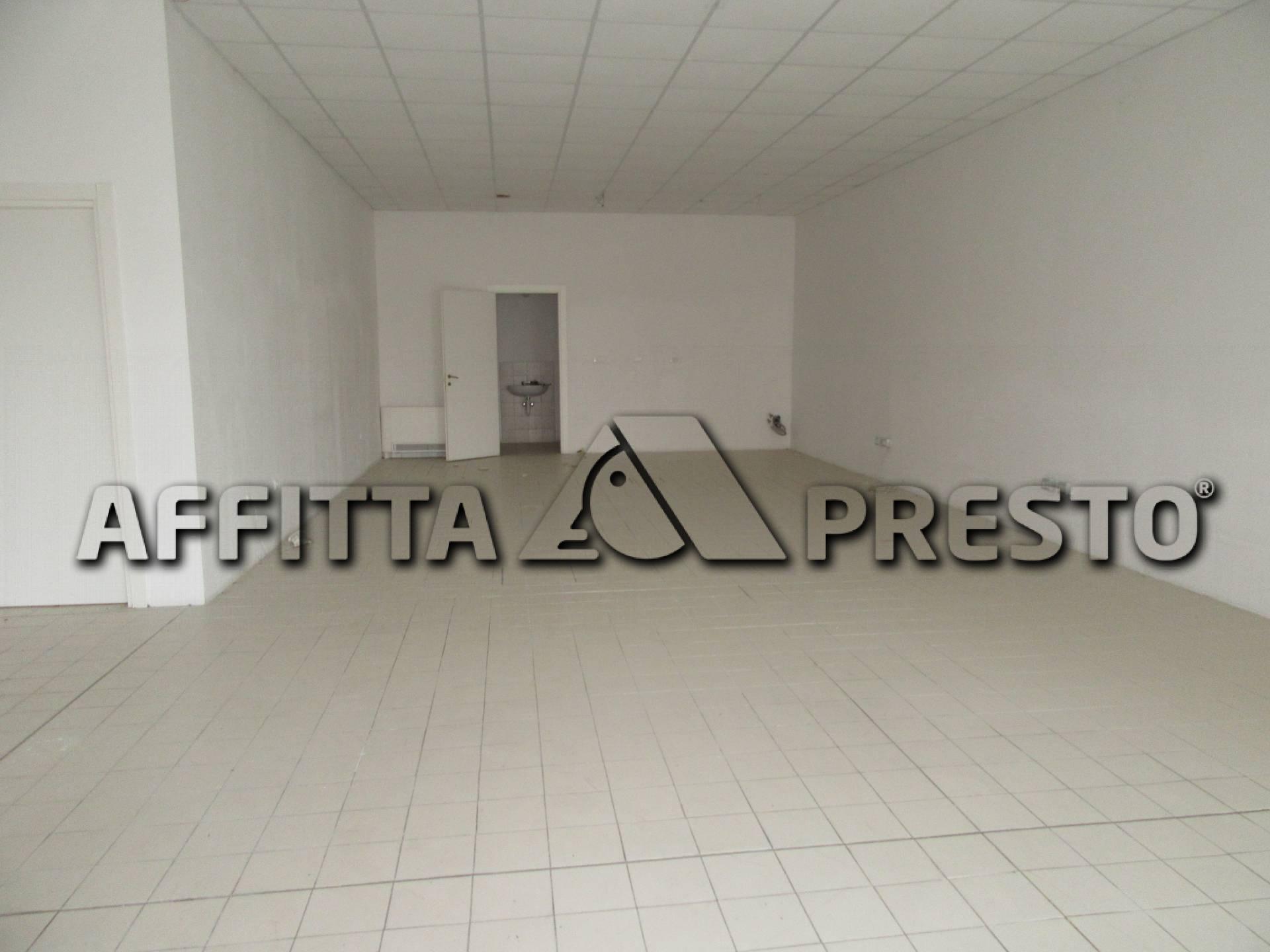 Attività commerciale a Forlì - 01