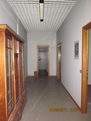 Ufficio a Modena - prossimità centro - 01, corridoio parte direzionale