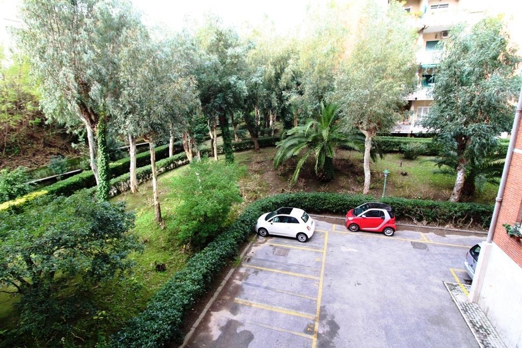 Appartamento con terrazzo in via francesco petrarca 13, Napoli