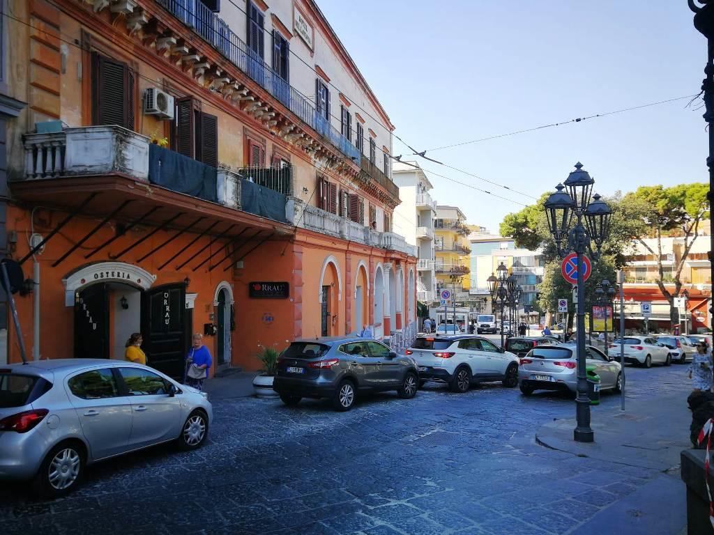 Locale commerciale in affitto in piazza sebastiano poli 5, Portici