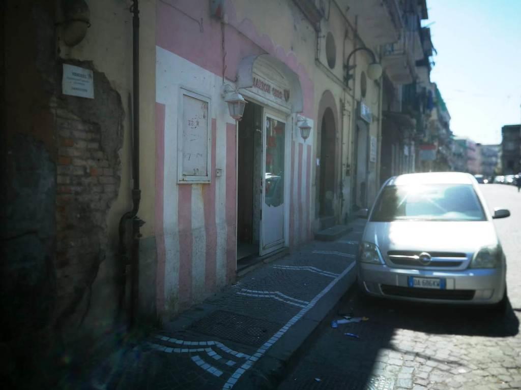 Locale commerciale in affitto in corso san giovanni 734, Napoli