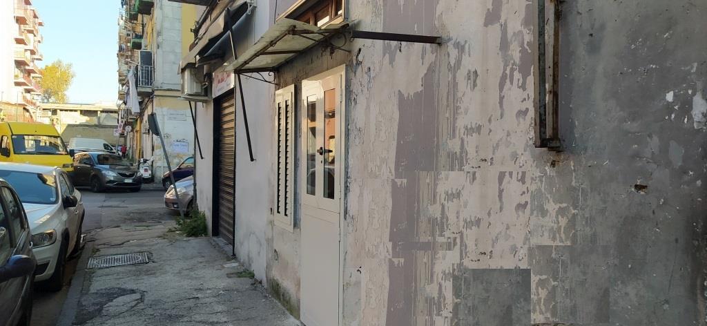 Appartamento da ristrutturare in via generale francesco pinto 38, Napoli