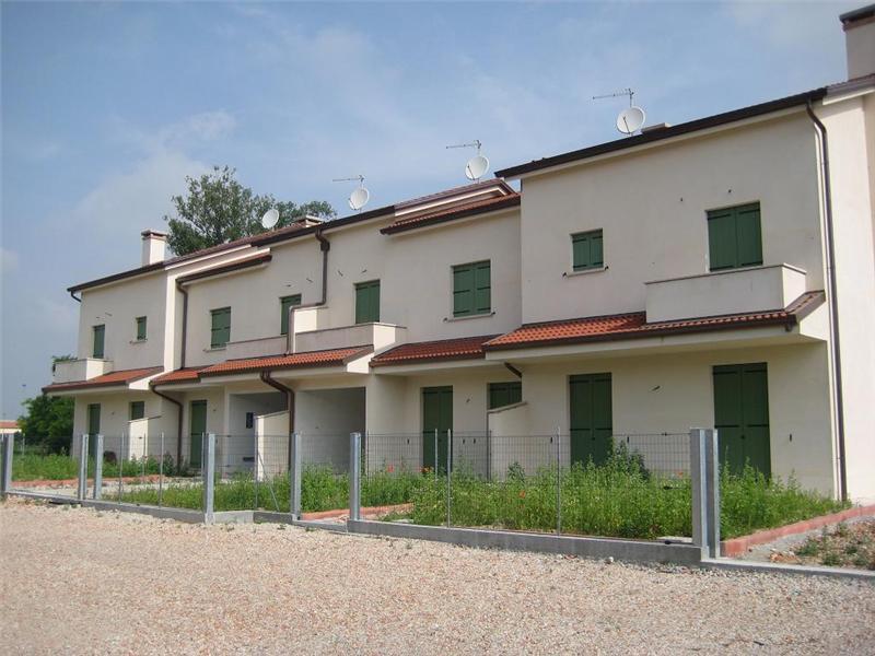 Vendesi villa con giardino a Vigonovo - 01