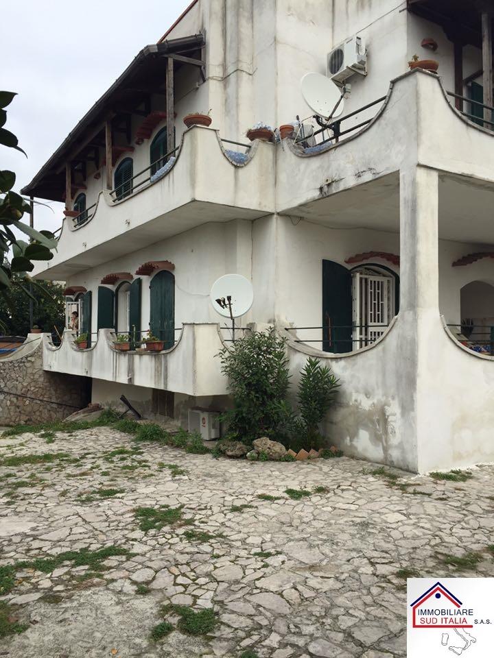 Appartamento con terrazzo Giugliano in Campania varcaturo