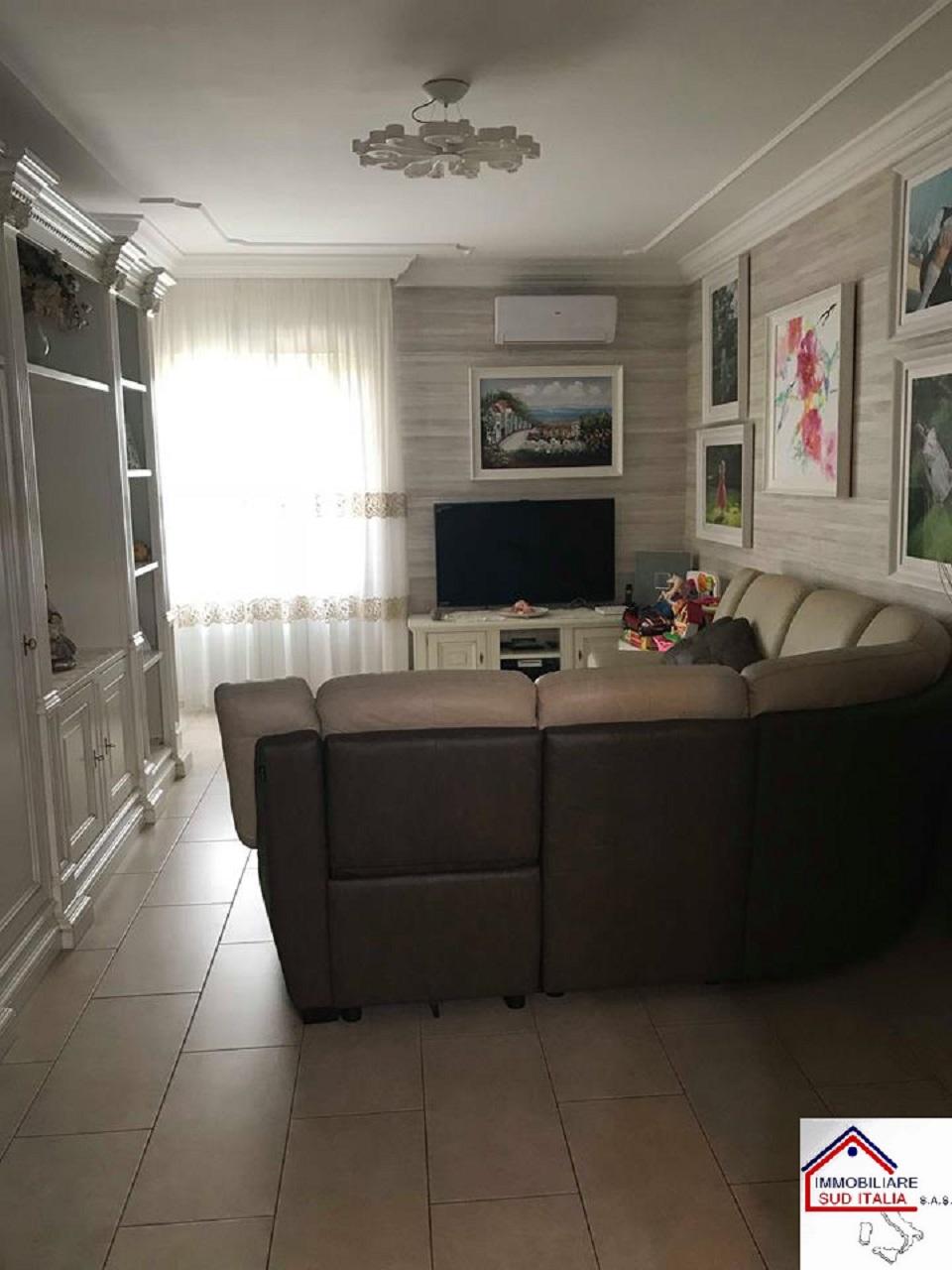 Appartamento con box doppio in larghezza a Giugliano in Campania - 01