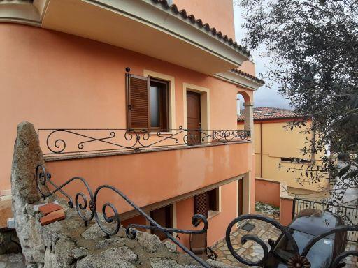 Villetta a schiera con giardino in via madrid, Olbia