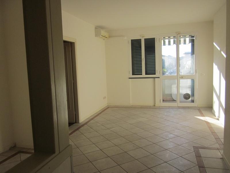 Appartamento con posto auto scoperto a Viareggio - campo d'aviazione - 01