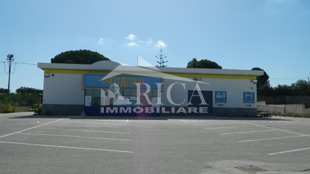 Locale commerciale in vendita in ss113, Partinico