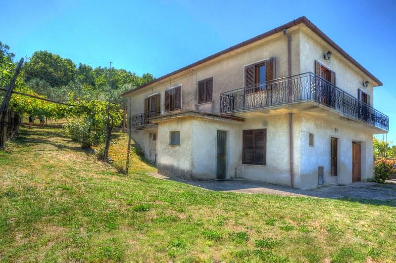 Casa indipendente con terrazzo a Arpino
