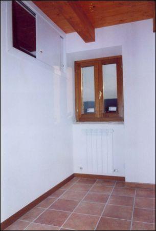 Casa indipendente a Roccafluvione - 01