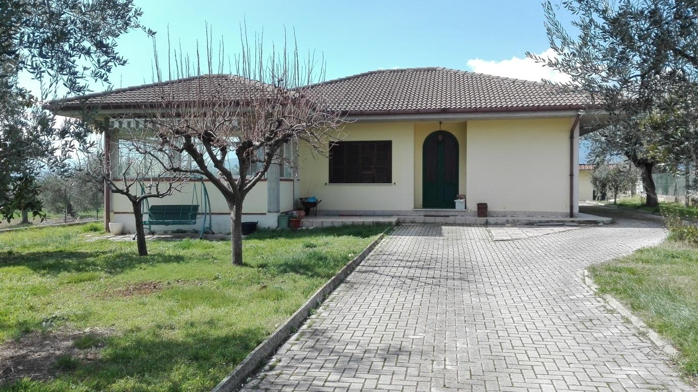 Villa con terrazzo a Nereto - parignano - 01