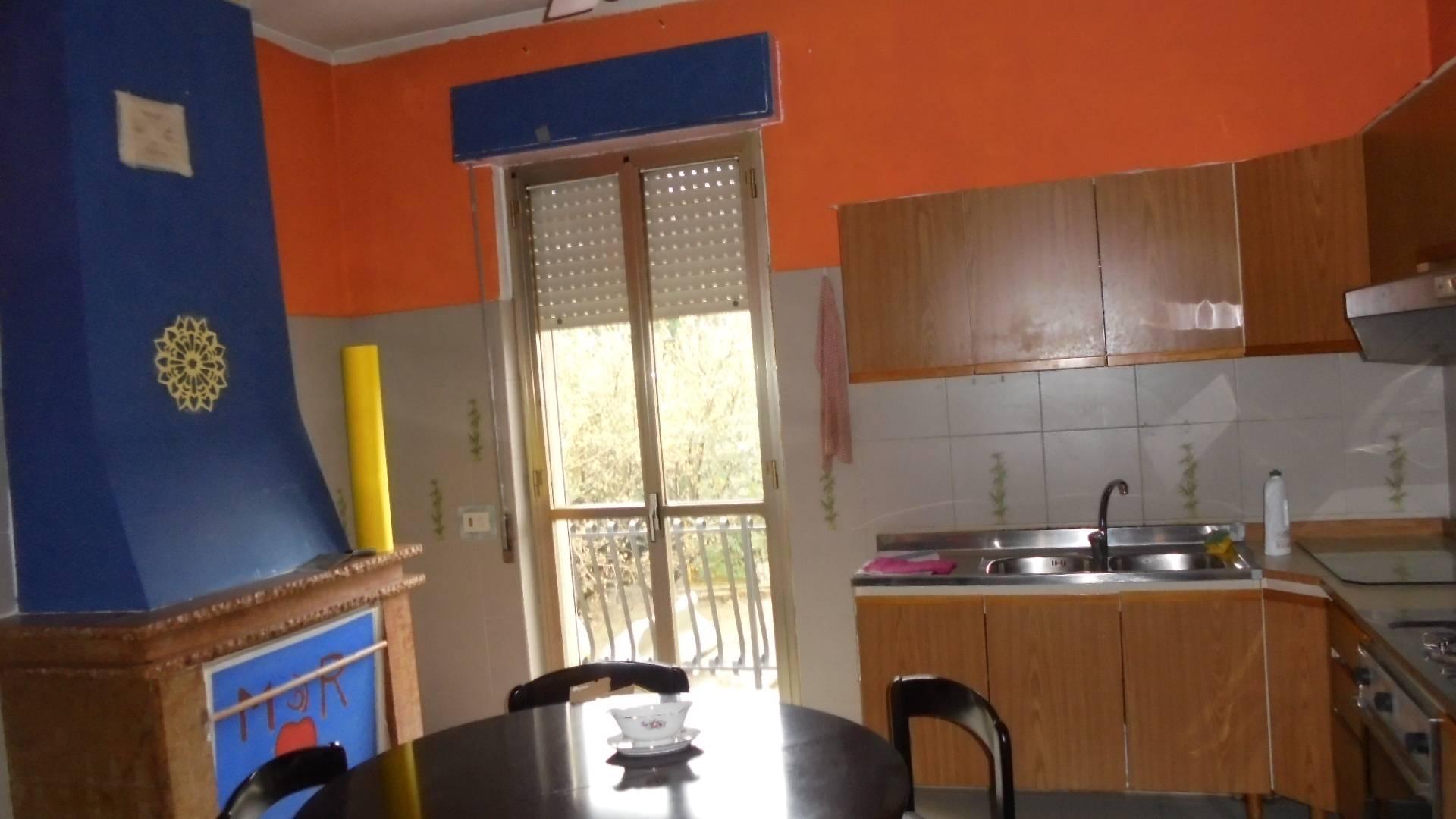 Appartamento con posto auto scoperto a Chieti - tricalle - 01
