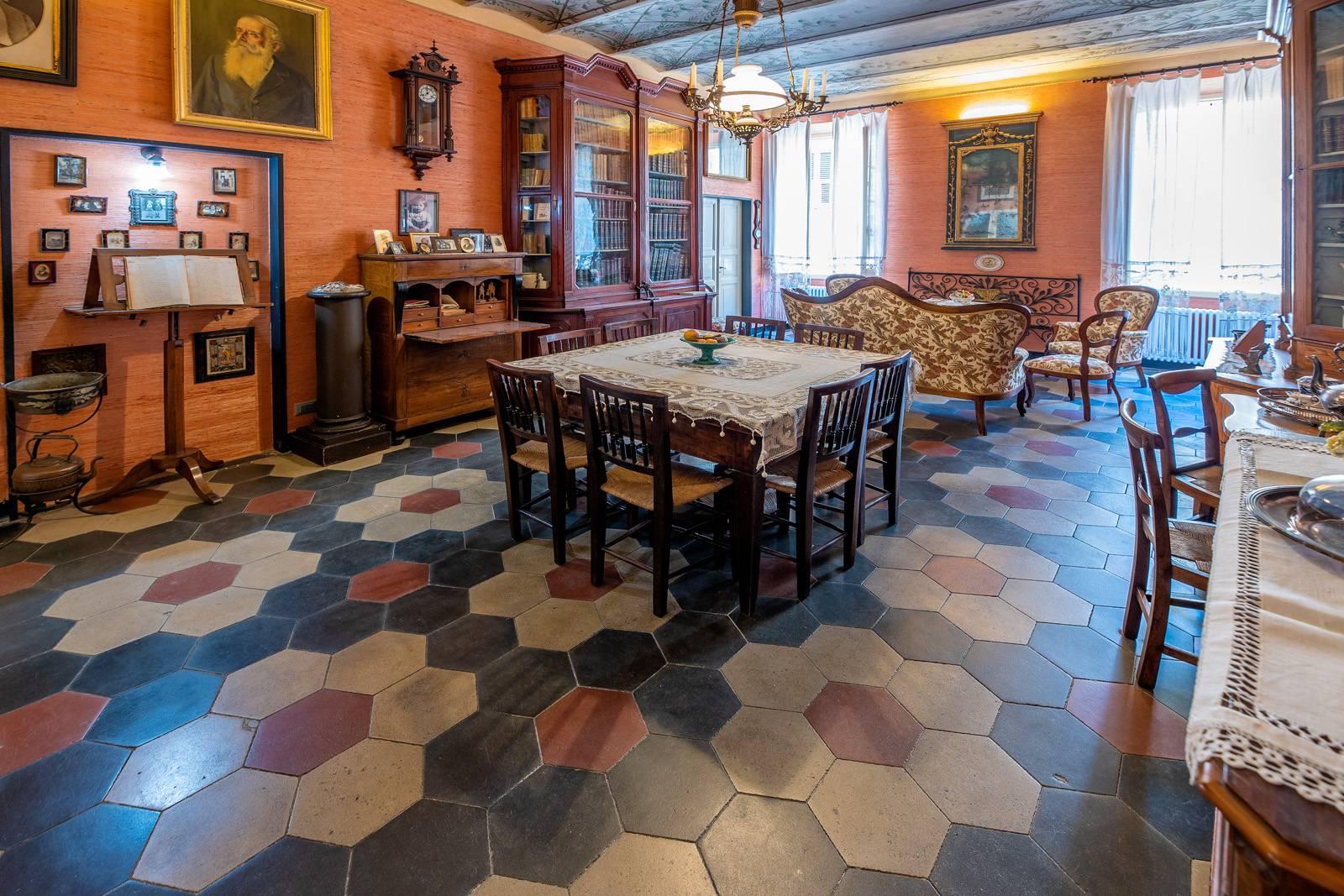 Appartamento in vendita, Finale Ligure finalborgo