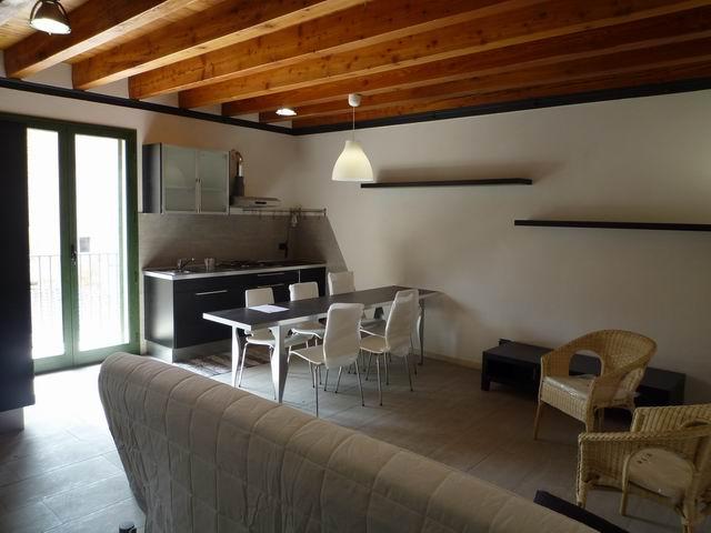 Appartamento Bilocale a Alcamo in via commendatore navarra - centro - 01