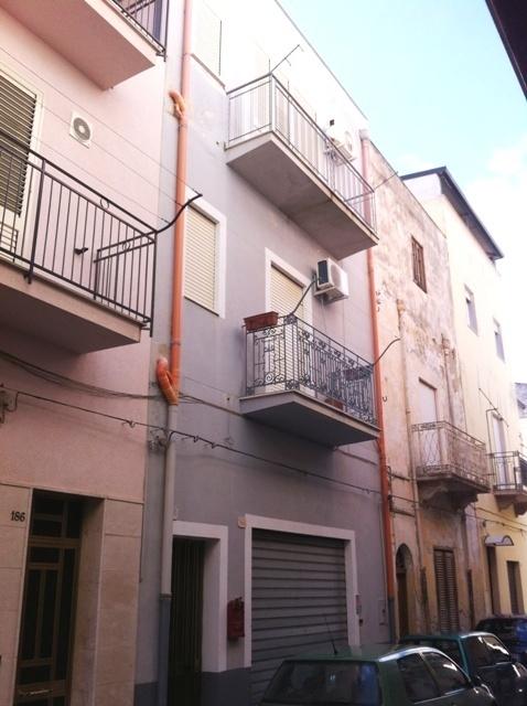 Casa indipendente a Alcamo in via torquato tasso 188 - 01