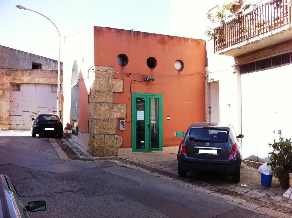 Locale commerciale a Alcamo in via ingham 31 - 01