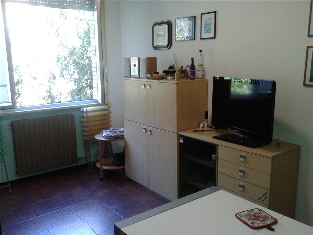 Appartamento a Follonica in via dei pini - 01