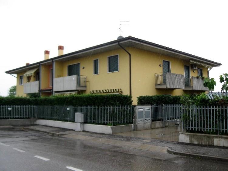 Appartamento con box doppio in lunghezza a San Giovanni Lupatoto - 01