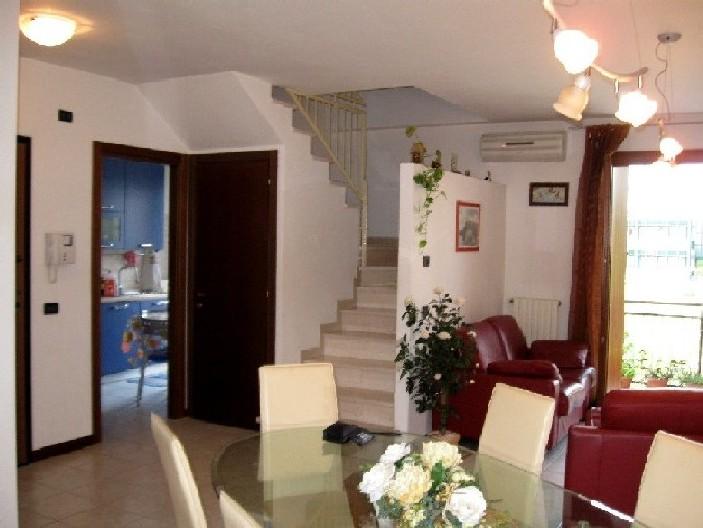 Appartamento con terrazzo a Verona - 01